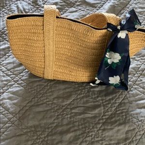 Handbags - Woven straw bag with tie